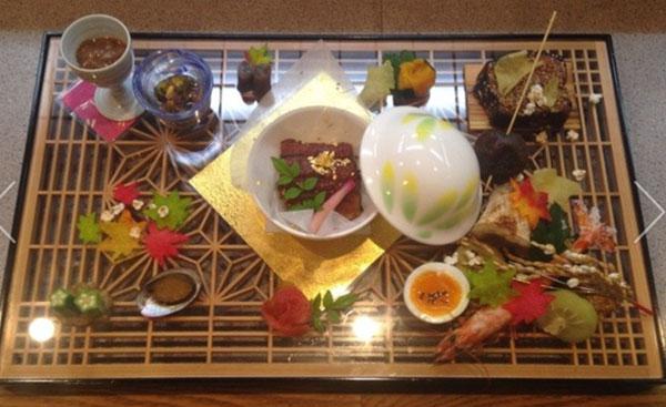 グラミー賞出展を祝して  大川組子のお部屋で食す、大川懐石を特別提供
