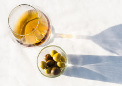 池田町ブドウ・ブドウ酒研究所 はじめてのブランデー体験を提案するBARイベント初開催 増える北海道の ...