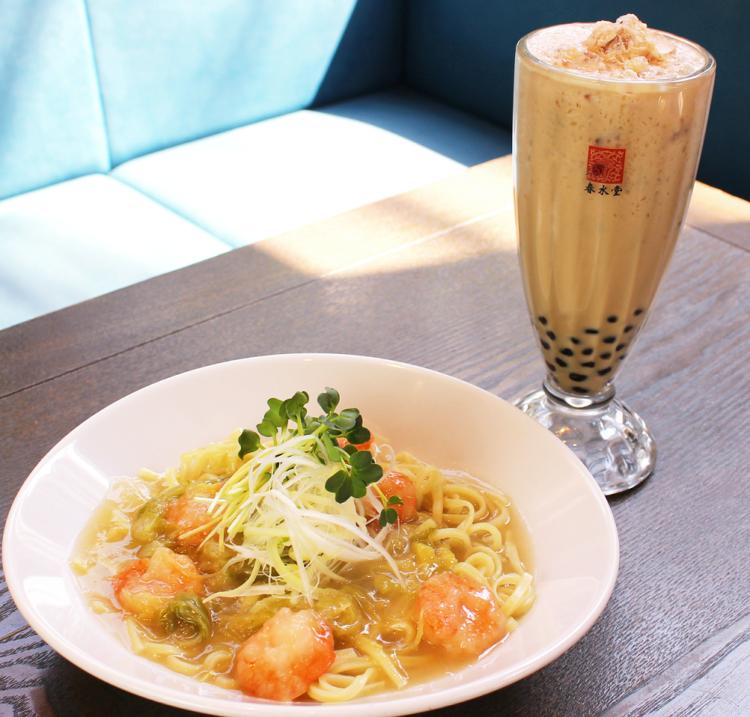 台湾カフェ春水堂が初の海鮮ヌードルを発売! 『海老と春キャベツの餡かけまぜ麺』4月25日から新登場